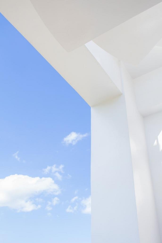edificio con luz natural